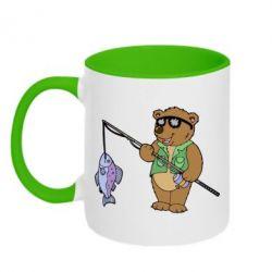 Кружка двухцветная Медведь ловит рыбу - FatLine