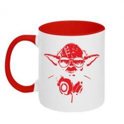 Кружка двухцветная Yoda в наушниках - FatLine