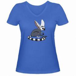 Женская футболка с V-образным вырезом Лемур - FatLine