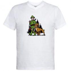 Мужская футболка  с V-образным вырезом Охотник с собакой