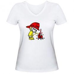 Женская футболка с V-образным вырезом Писающий хулиган-пожарный - FatLine