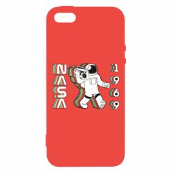Чехол для iPhone5/5S/SE Astronaut with a tape recorder