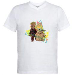 Мужская футболка  с V-образным вырезом Baby yoda and baby groot