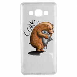 Чехол для Samsung A5 2015 Bear hugs a hare