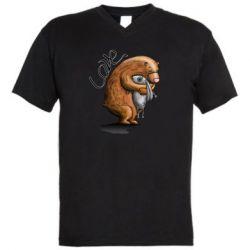 Мужская футболка  с V-образным вырезом Bear hugs a hare