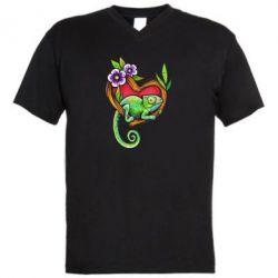 Мужская футболка  с V-образным вырезом Chameleon on a branch
