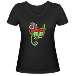 Жіноча футболка з V-подібним вирізом Chameleon on a branch