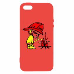 Чехол для iPhone 5S Писающий хулиган-пожарный