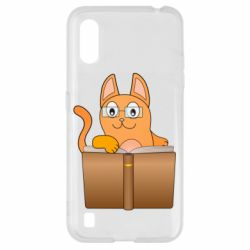 Чехол для Samsung A01/M01 Cat in glasses with a book