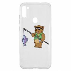 Чохол для Samsung A11/M11 Ведмідь ловить рибу