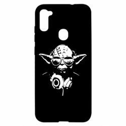 Чехол для Samsung A11/M11 Yoda в наушниках