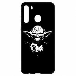 Чехол для Samsung A21 Yoda в наушниках