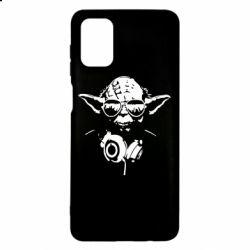 Чехол для Samsung M51 Yoda в наушниках