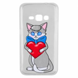 Чехол для Samsung J1 2016 Cute kitten with a heart in its paws