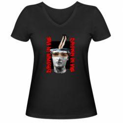Жіноча футболка з V-подібним вирізом Drown in me