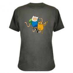 Камуфляжная футболка Фин и Джейк танцуют 2