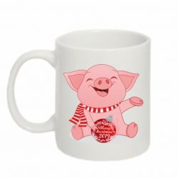 Кружка 320ml Funny pig with a Christmas toy