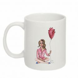 Кружка 320ml Girl in pajamas holding an airy heart
