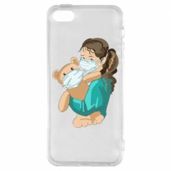 Чехол для iPhone5/5S/SE Girl with a teddy bear in medical masks