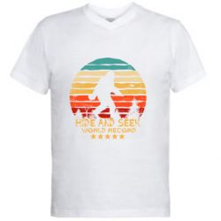 Мужская футболка  с V-образным вырезом Hide and seek world record