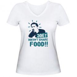 Женская футболка с V-образным вырезом Joey doesn't share food!