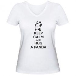 Женская футболка с V-образным вырезом KEEP CALM and HUG A PANDA - FatLine