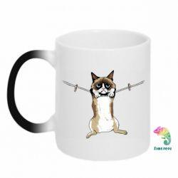 Кружка-хамелеон Grumpy Cat On The Rope