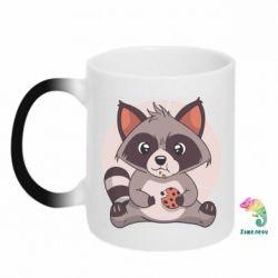 Кружка-хамелеон Raccoon with cookies