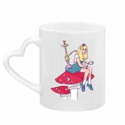 Кружка с ручкой в виде сердца Alice smokes a hookah