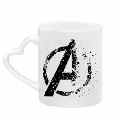 Кружка с ручкой в виде сердца Avengers logotype destruction