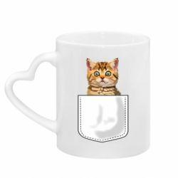 Кружка с ручкой в виде сердца Cat in your pocket