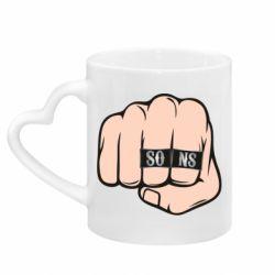 Кружка с ручкой в виде сердца Fist with rings SONS