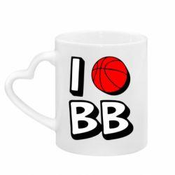 Кружка с ручкой в виде сердца I love basketball