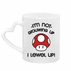 Кружка с ручкой в виде сердца I'm not growing up, i level up