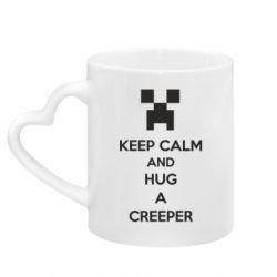 Кружка с ручкой в виде сердца KEEP CALM and HUG A CREEPER