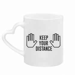 Кружка з ручкою у вигляді серця Keep your distance