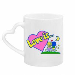Кружка с ручкой в виде сердца Love is...
