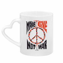 Кружка з ручкою у вигляді серця Make love, not war