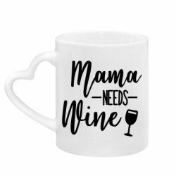 Кружка с ручкой в виде сердца Mama need wine