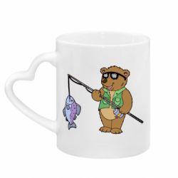 Кружка з ручкою у вигляді серця Ведмідь ловить рибу