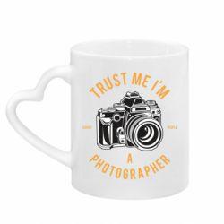 Кружка з ручкою у вигляді серця Trust me i'm photographer