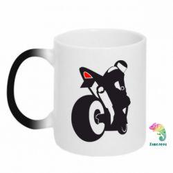 Кружка-хамелеон Мотоциклист на спорте - FatLine