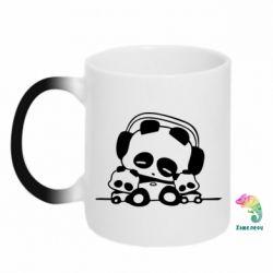Кружка-хамелеон Панда в наушниках