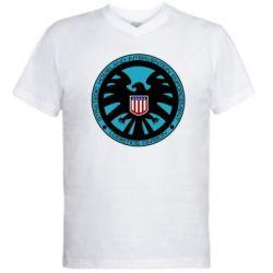 Мужская футболка  с V-образным вырезом Логотип Щита - FatLine
