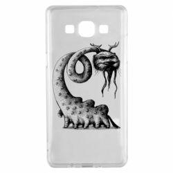 Чехол для Samsung A5 2015 Long-necked Mustachioed Monster
