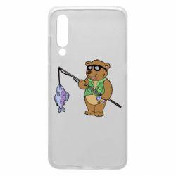 Чохол для Xiaomi Mi9 Ведмідь ловить рибу