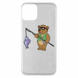 Чохол для iPhone 11 Ведмідь ловить рибу