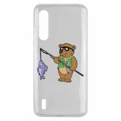 Чохол для Xiaomi Mi9 Lite Ведмідь ловить рибу
