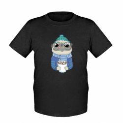 Детская футболка Мопс любит кофе