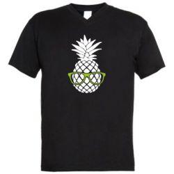 Мужская футболка  с V-образным вырезом Pineapple with glasses